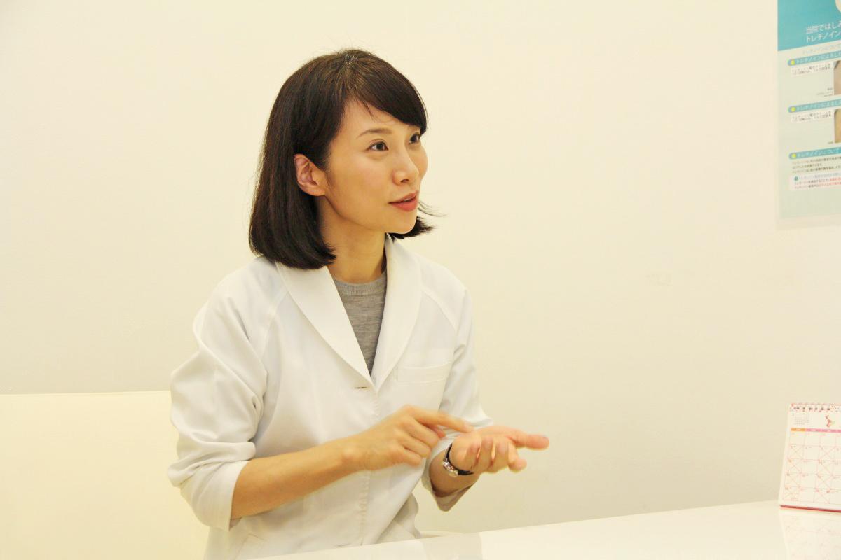 インタビューに答えるなつクリニック院長の大原奈津恵さん